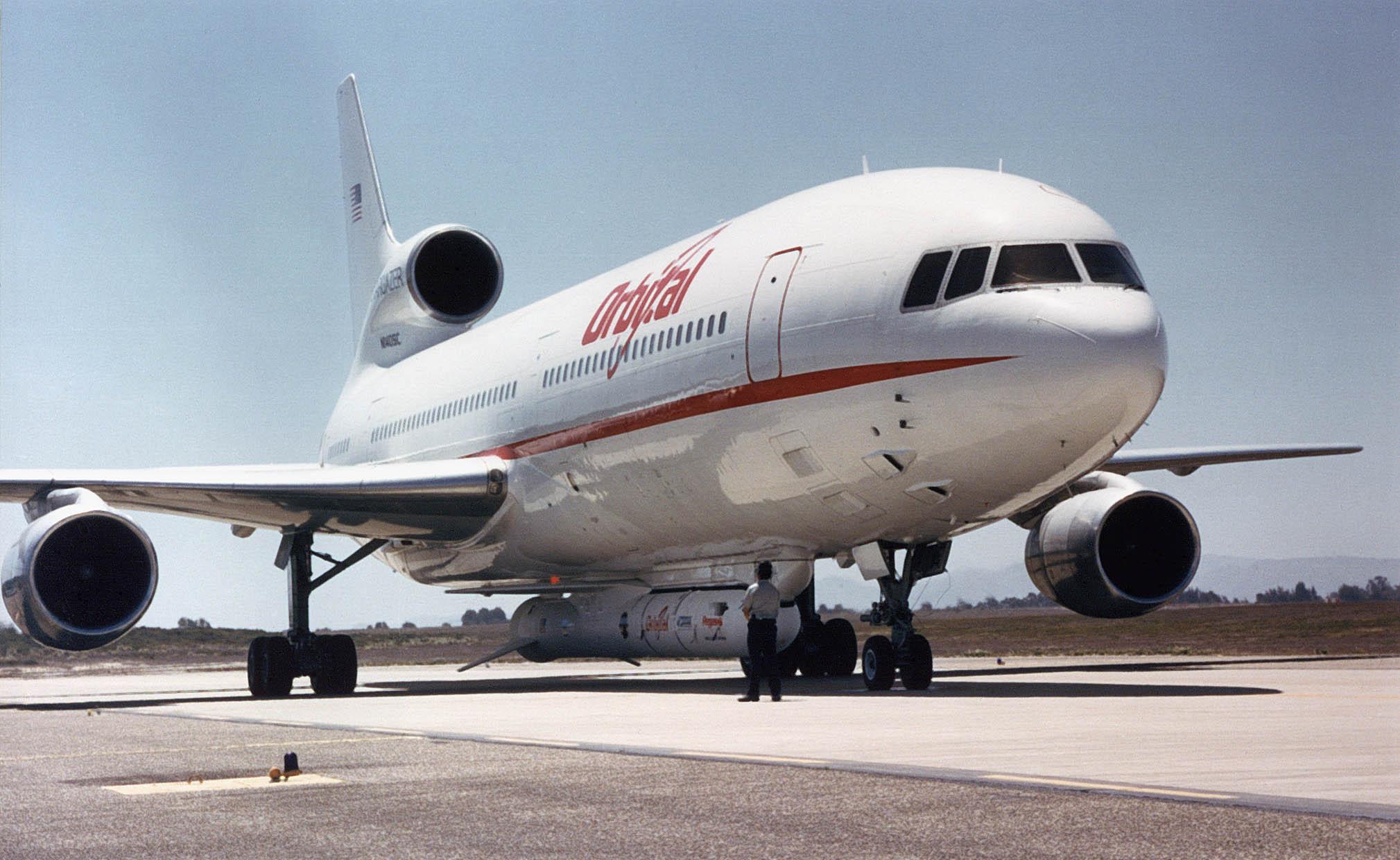 File:Lockheed L-1011.jpg