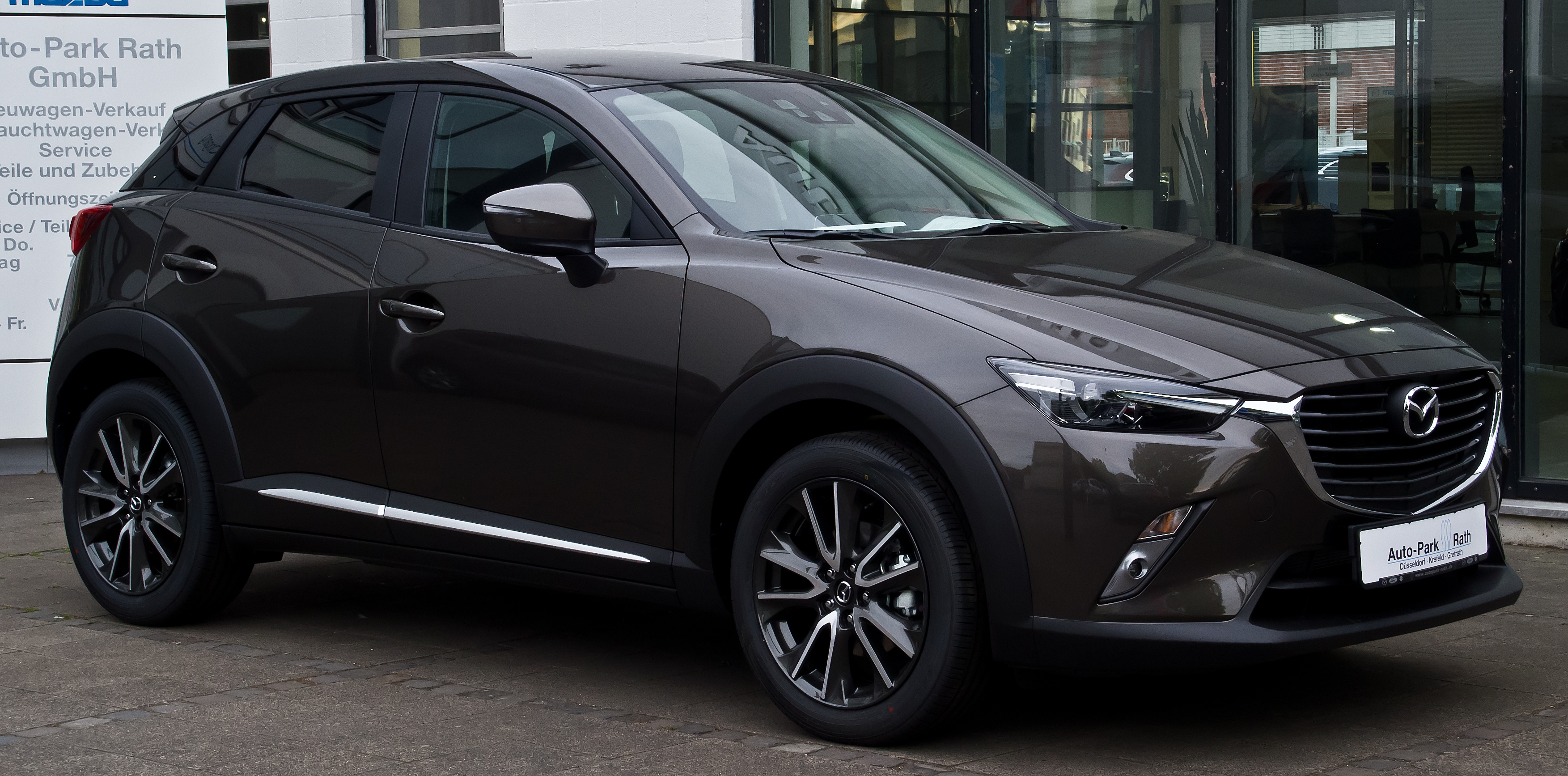 File:Mazda CX-3 SKYACTIV-G 120 FWD Sports-Line ...