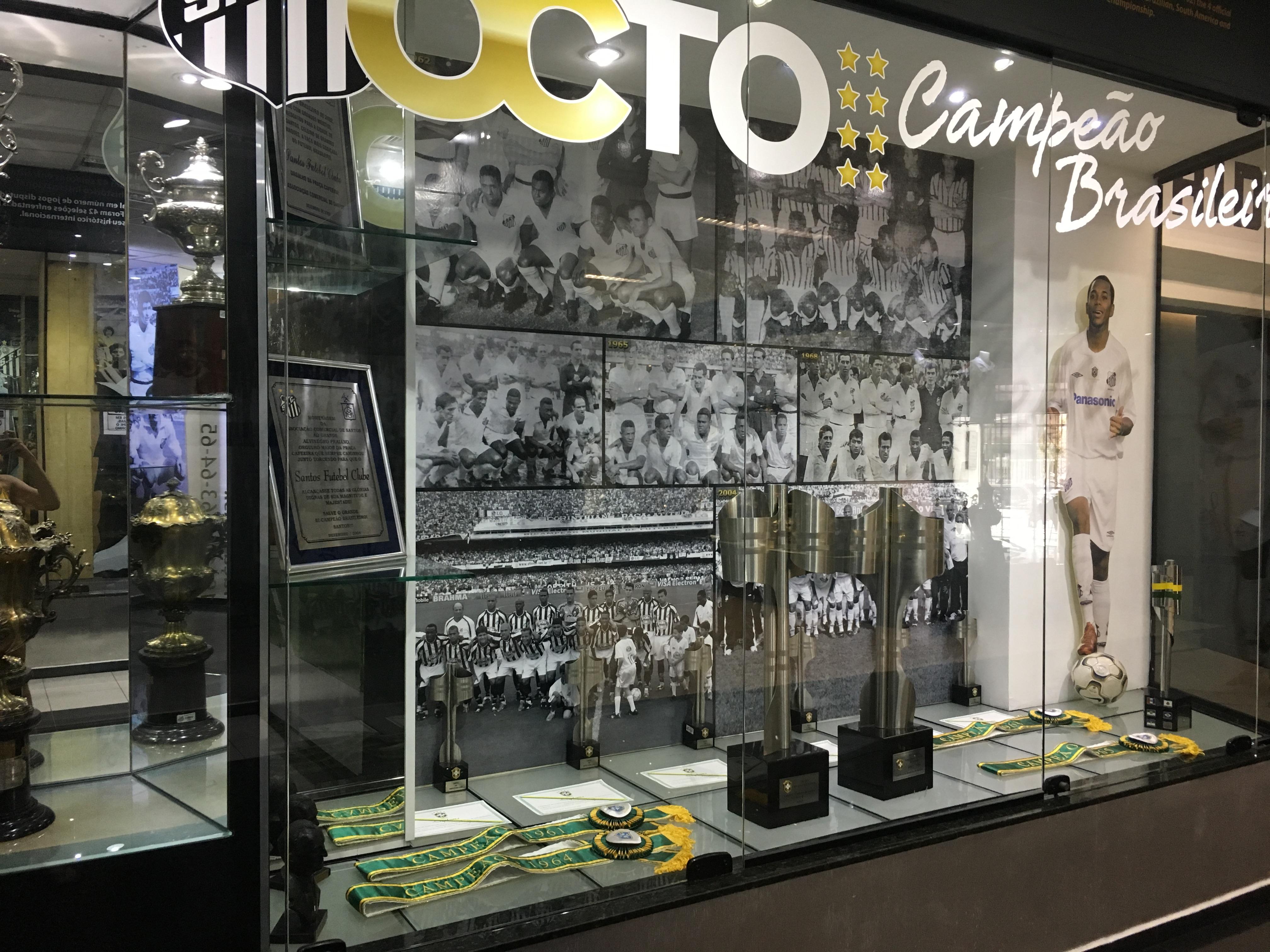 File Memorial das Conquistas - Santos Futebol Clube 27.jpg ... 1a621e4ba0bfc