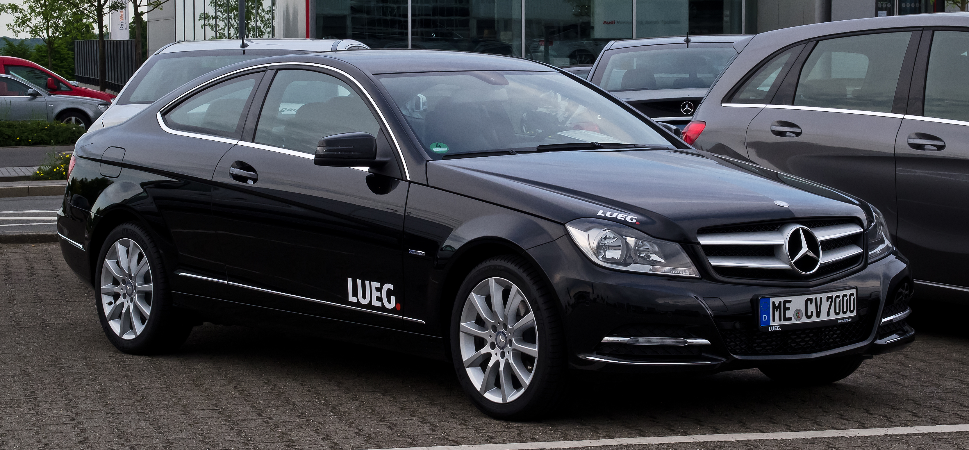 File:Mercedes-Benz C 180 BlueEFFICIENCY Coupé (C 204 ...