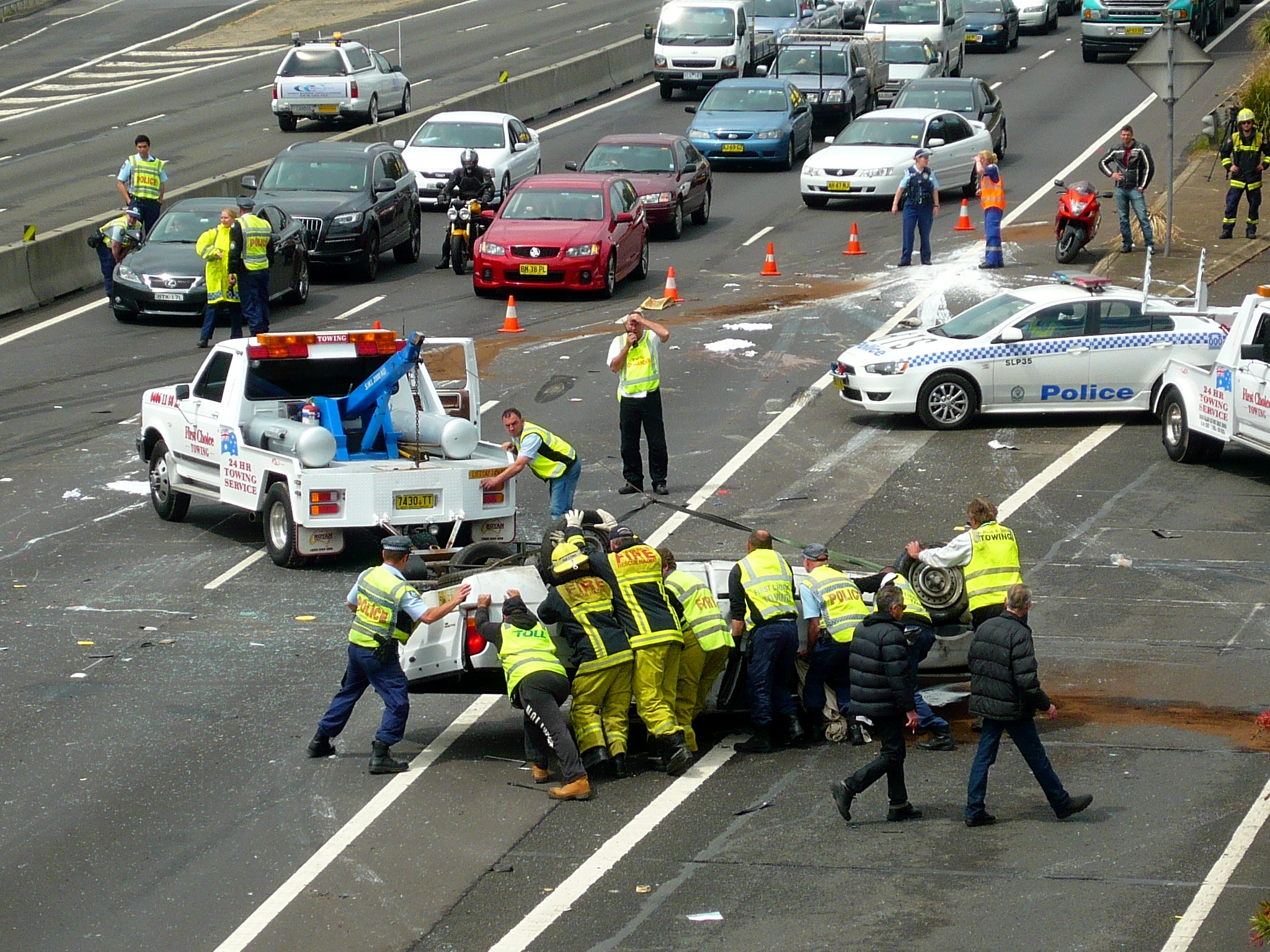 File:Multi vehicle accident - M4 Motorway, Sydney, NSW (8076163011
