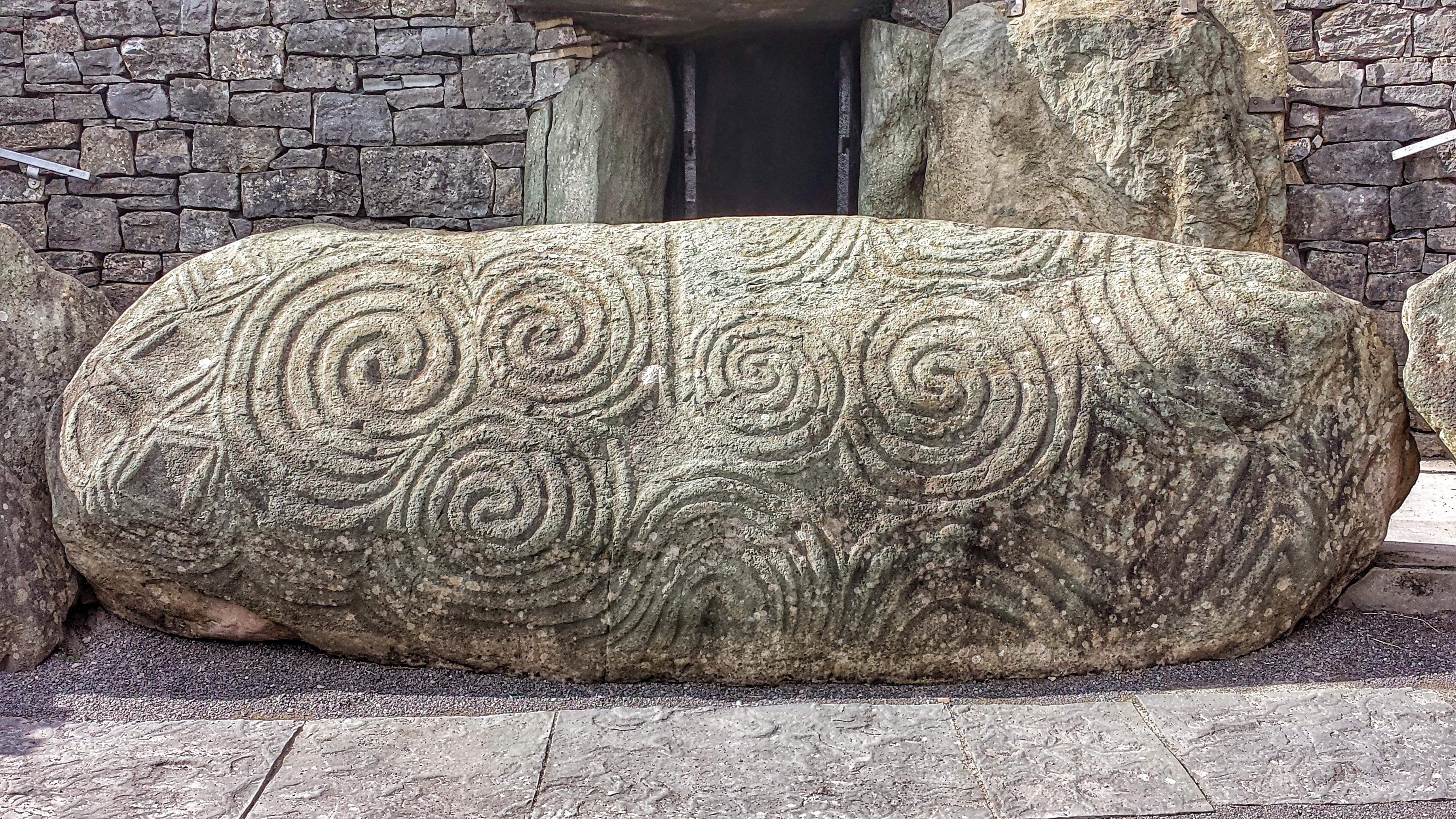 File newgrange entrance stone g wikimedia commons