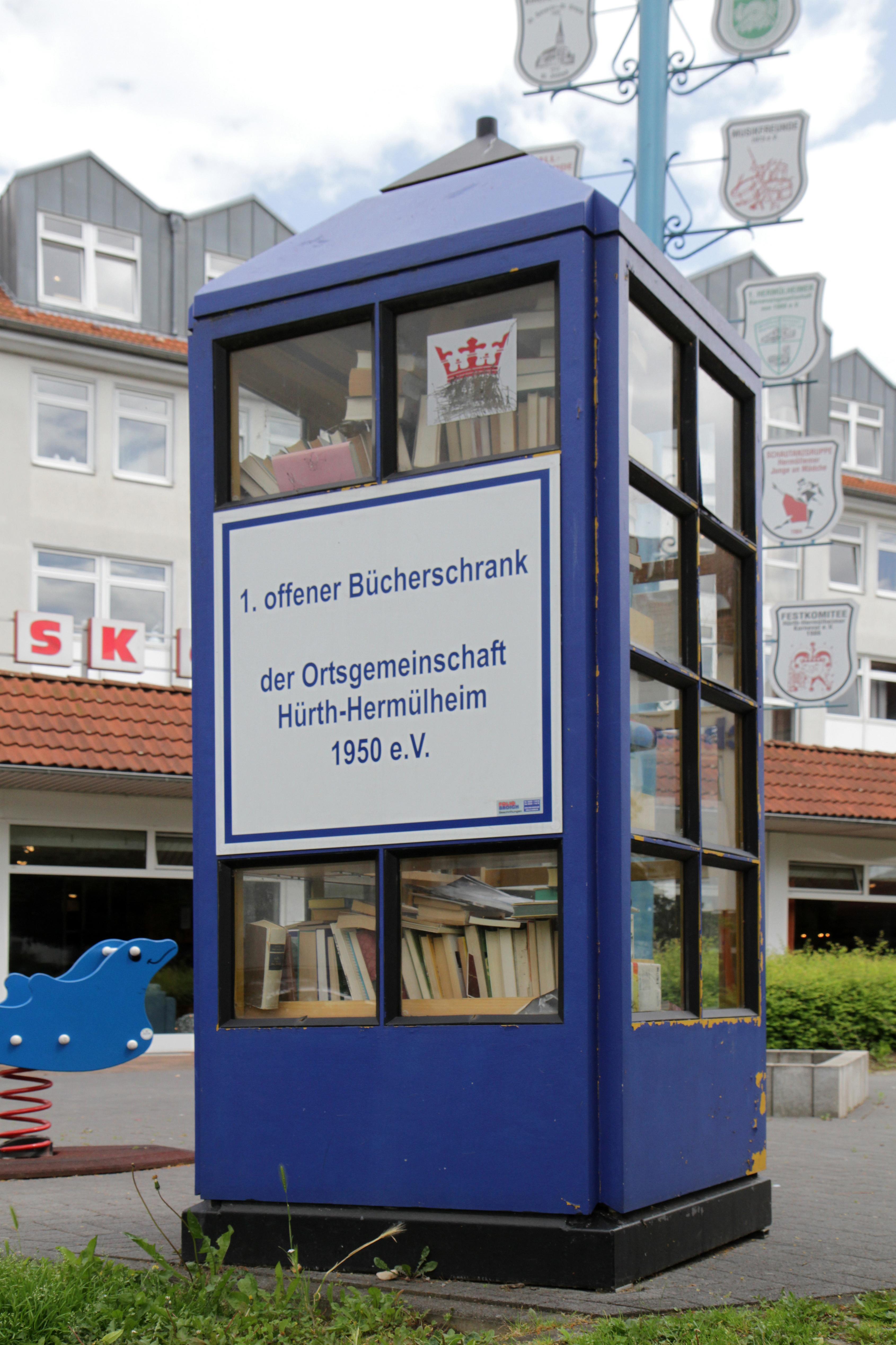 File:Offener Bücherschrank Hürth-Hermülheim b.jpg - Wikimedia Commons