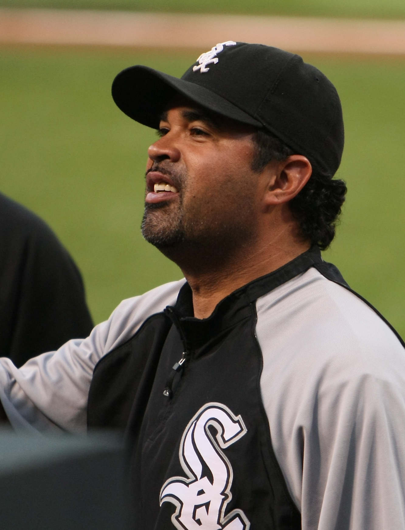 File:OZZIE GUILLEN by Keith Allison.jpg - Wikipedia, the free ...