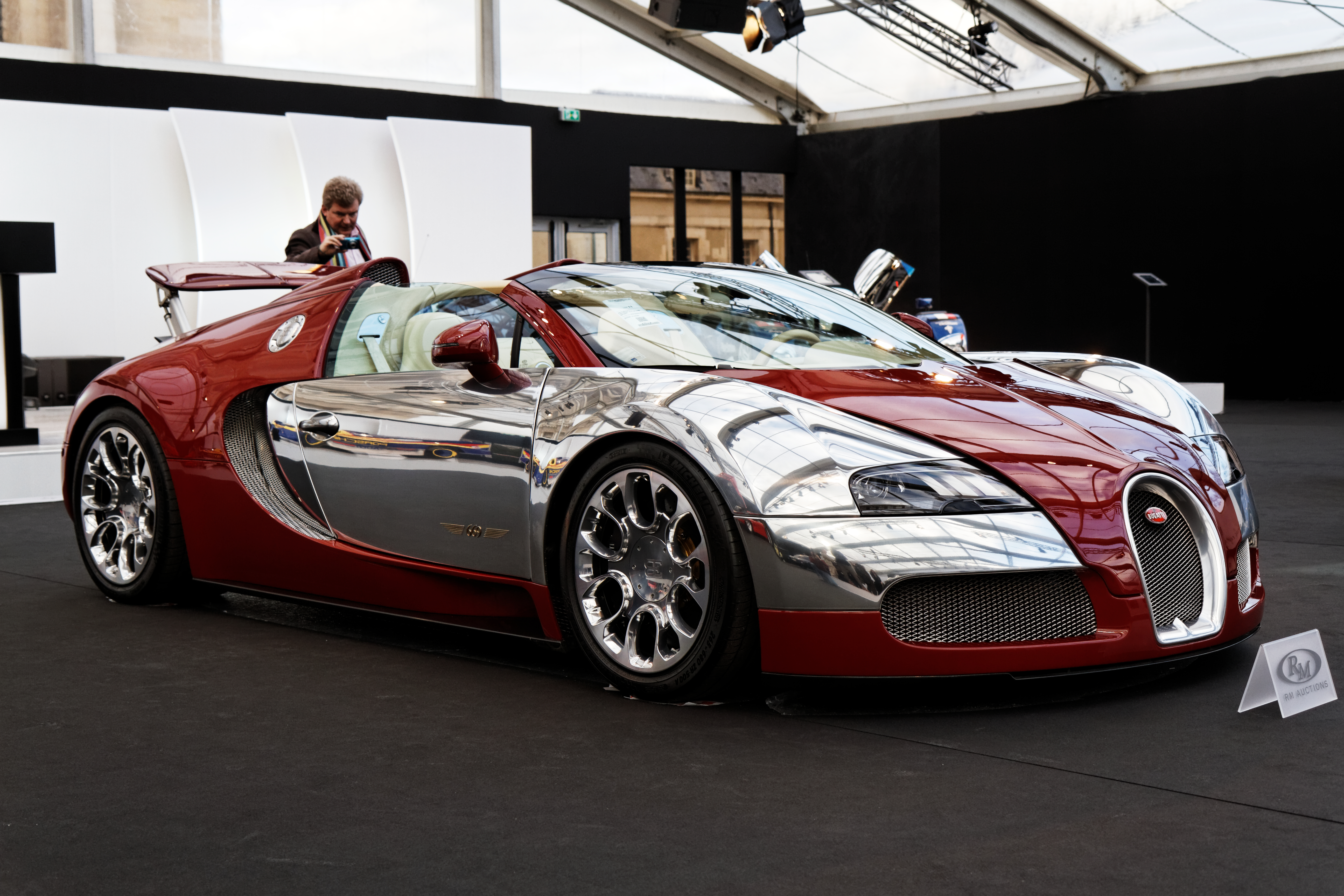 file paris rm auctions 5 f vrier 2014 bugatti veyron 16 4 grand sport. Black Bedroom Furniture Sets. Home Design Ideas