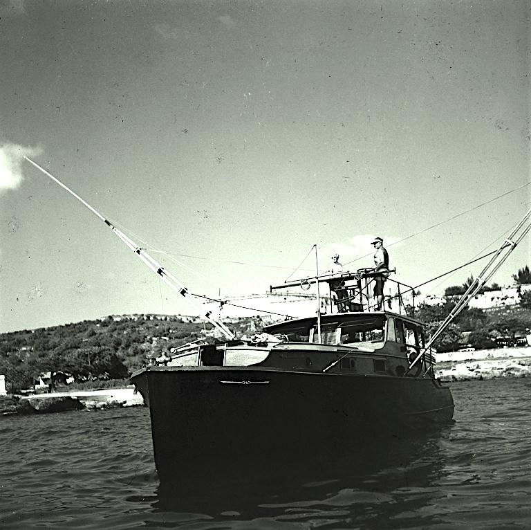 pilar  boat