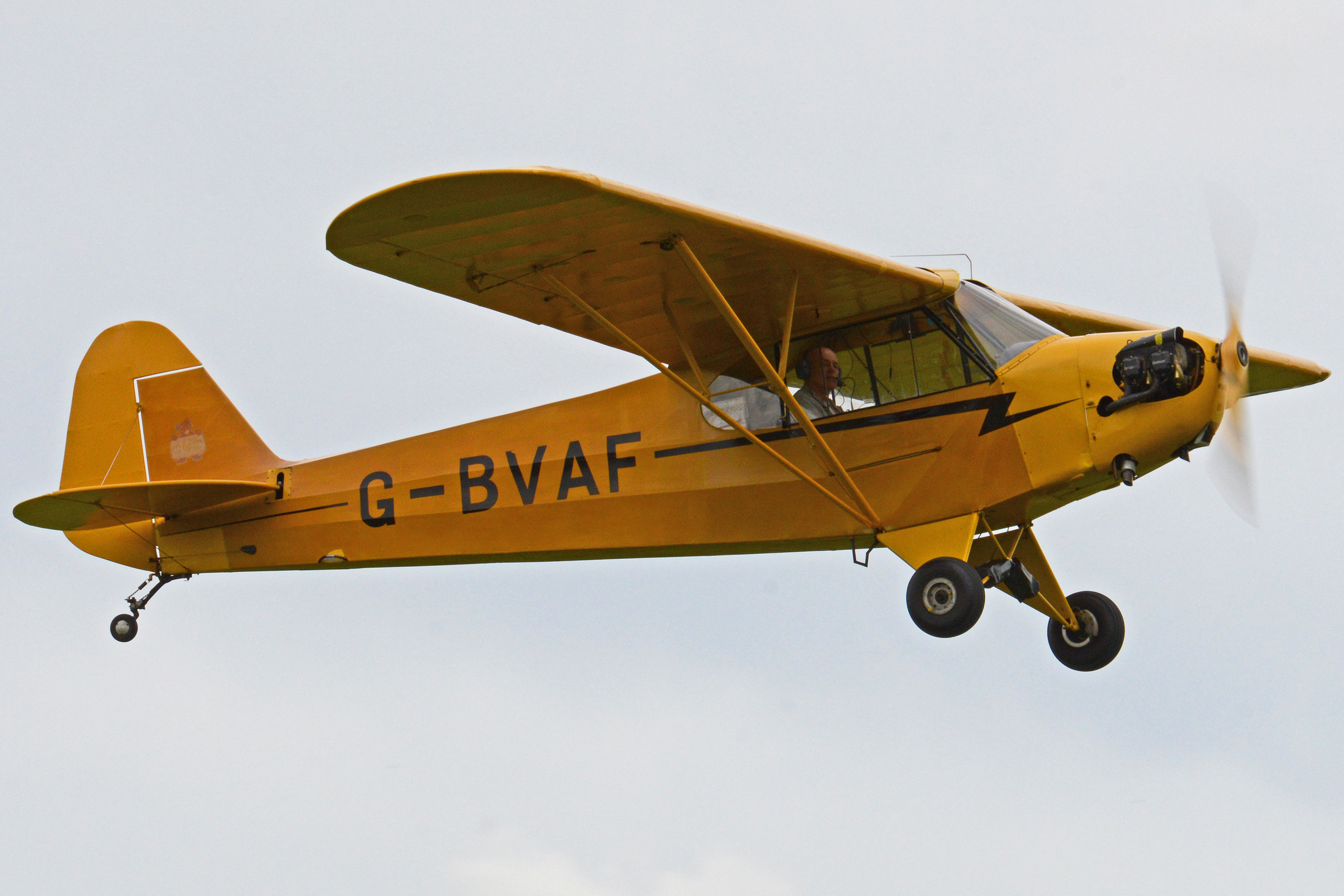Piper_J.3C-65_Cub_'G-BVAF'_%2832714647720%29.jpg