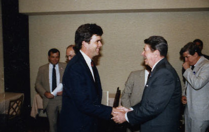 Bush greeting President Ronald Reagan in 1986 Reagan Contact Sheet C36276 (cropped).jpg