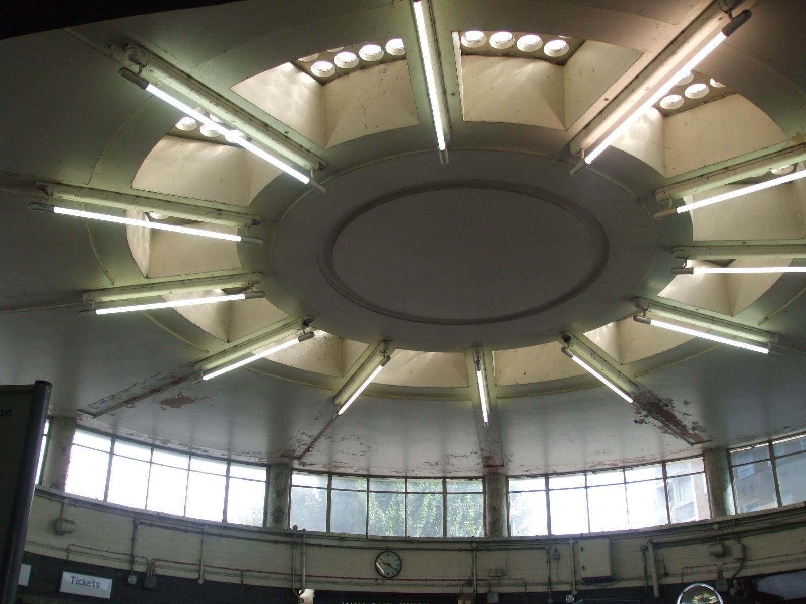 File:Redbridge station ticket hall ceiling.JPG - Wikimedia ...
