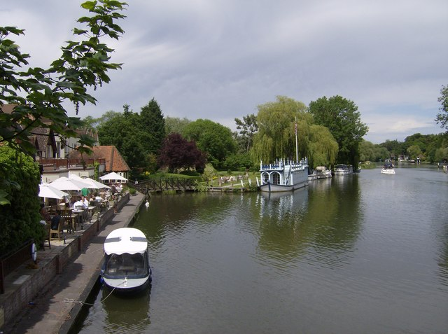 River Thames at Streatley - geograph.org.uk - 337061