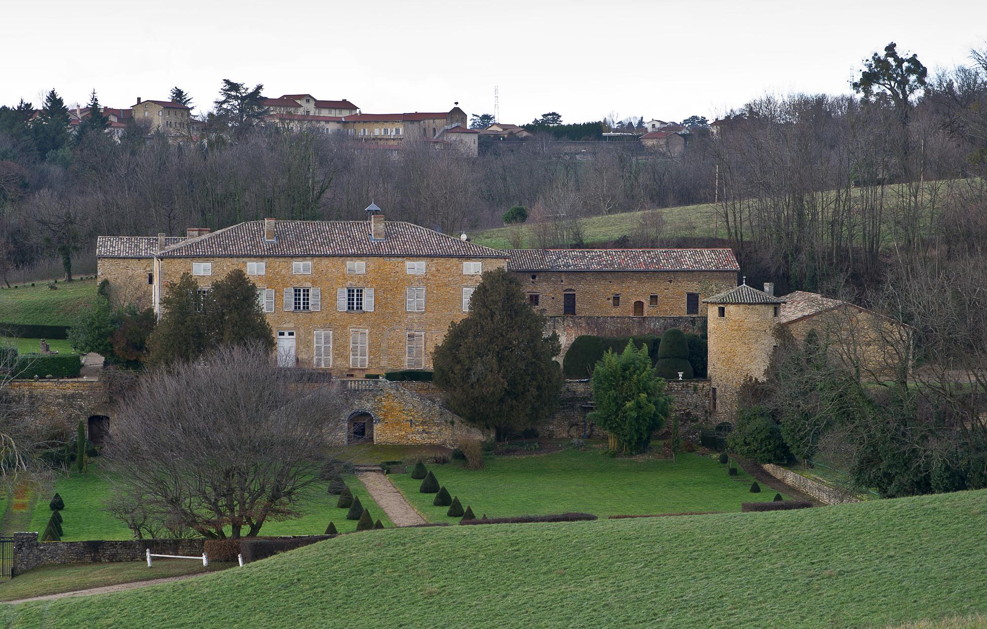 Les Jardins Des Monts D Or château de saint-andré du coing — wikipédia