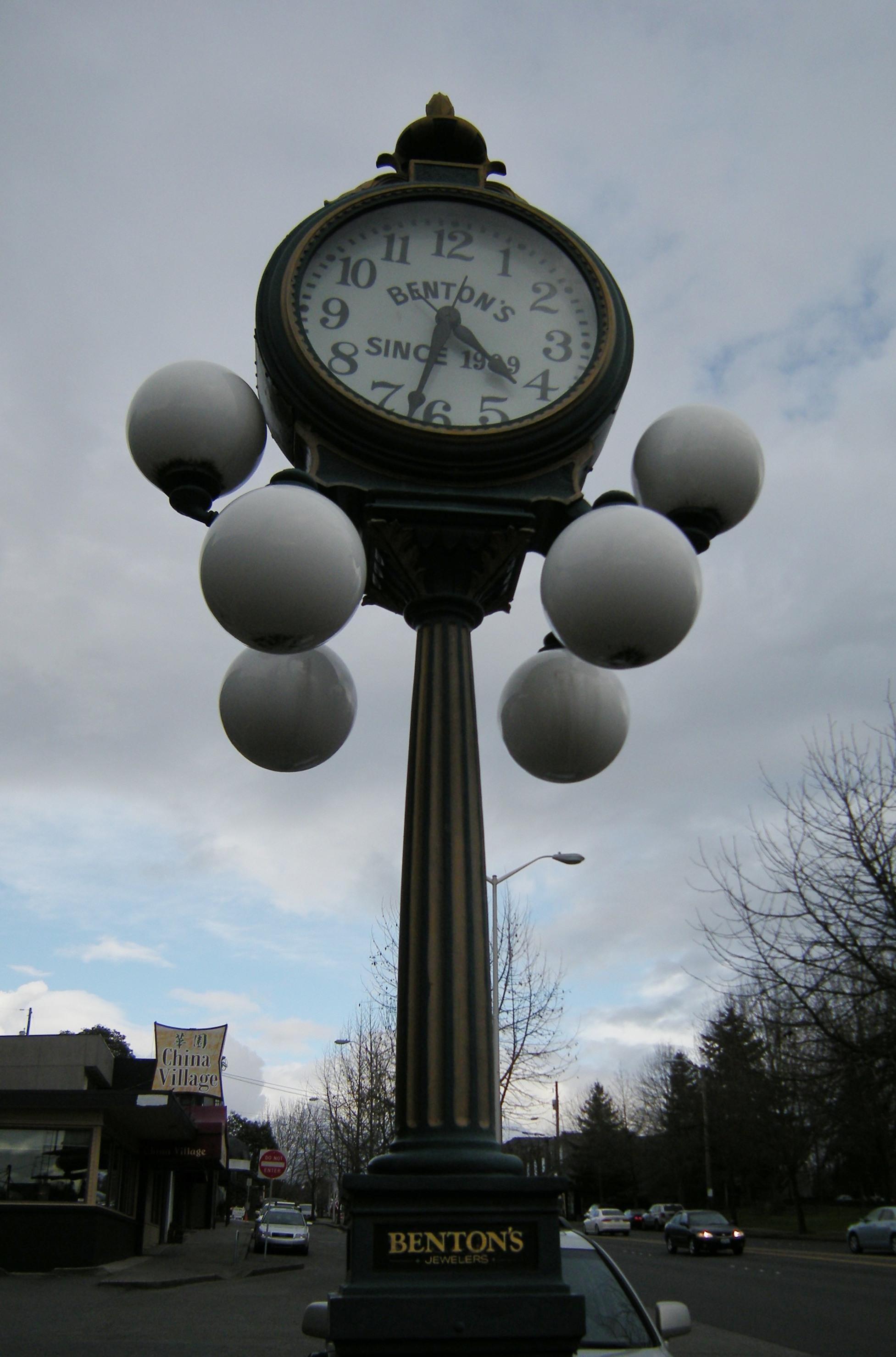 Bentons Clock