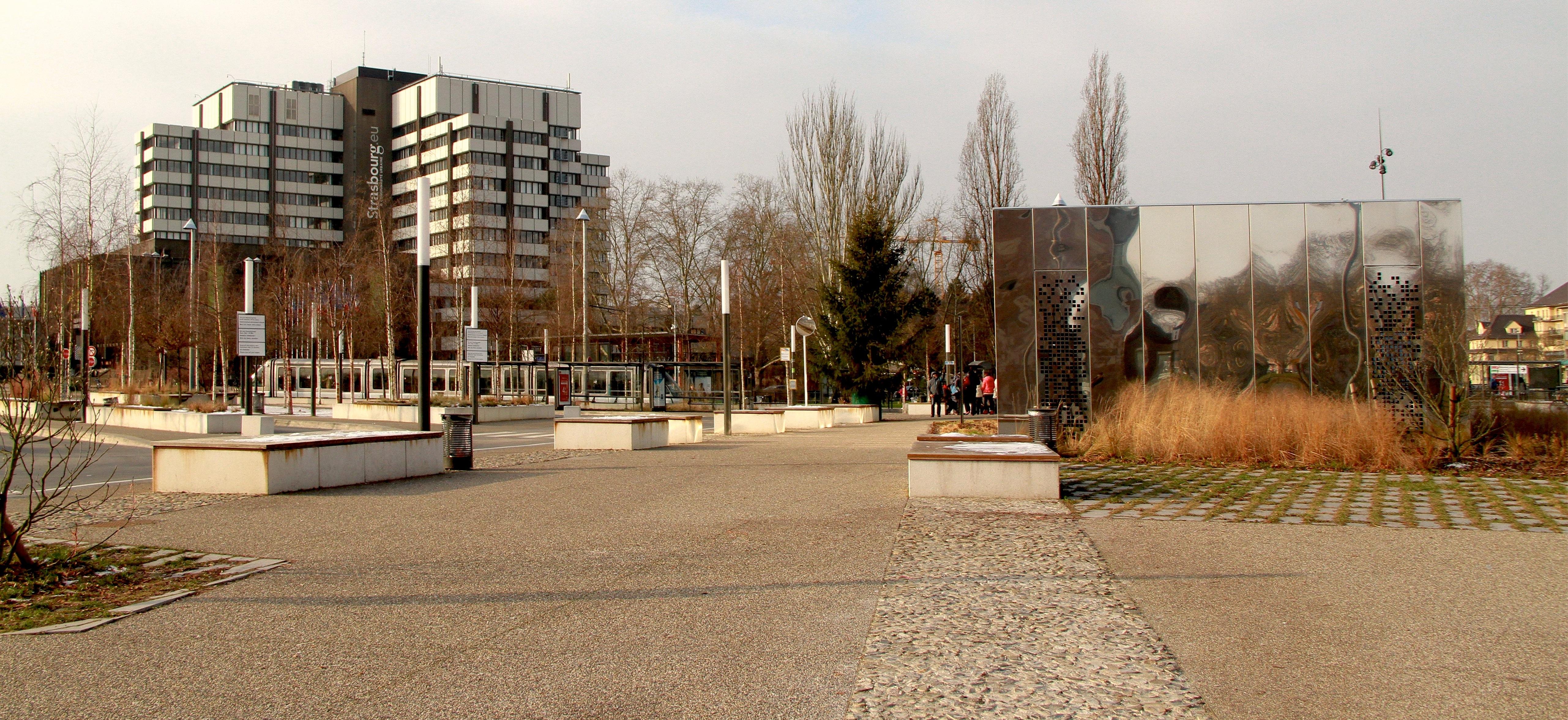 File strasbourg parc de l 39 etoile le parking d 39 accueil for Parc des expo strasbourg