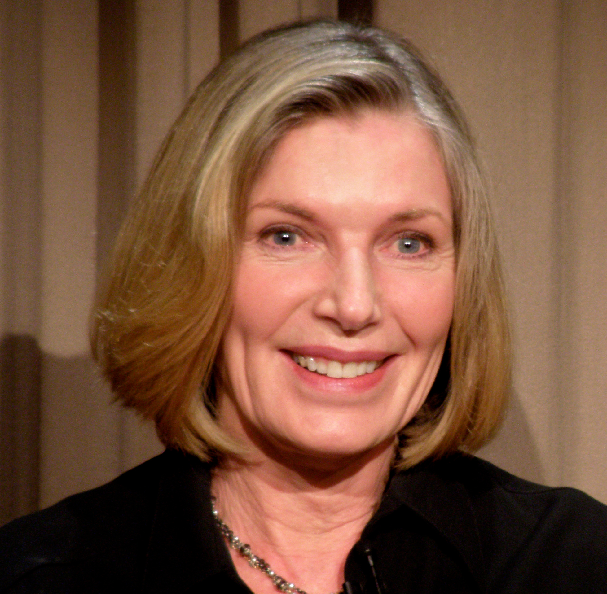 The 75-year old daughter of father (?) and mother(?) Susan Sullivan in 2018 photo. Susan Sullivan earned a  million dollar salary - leaving the net worth at 3 million in 2018