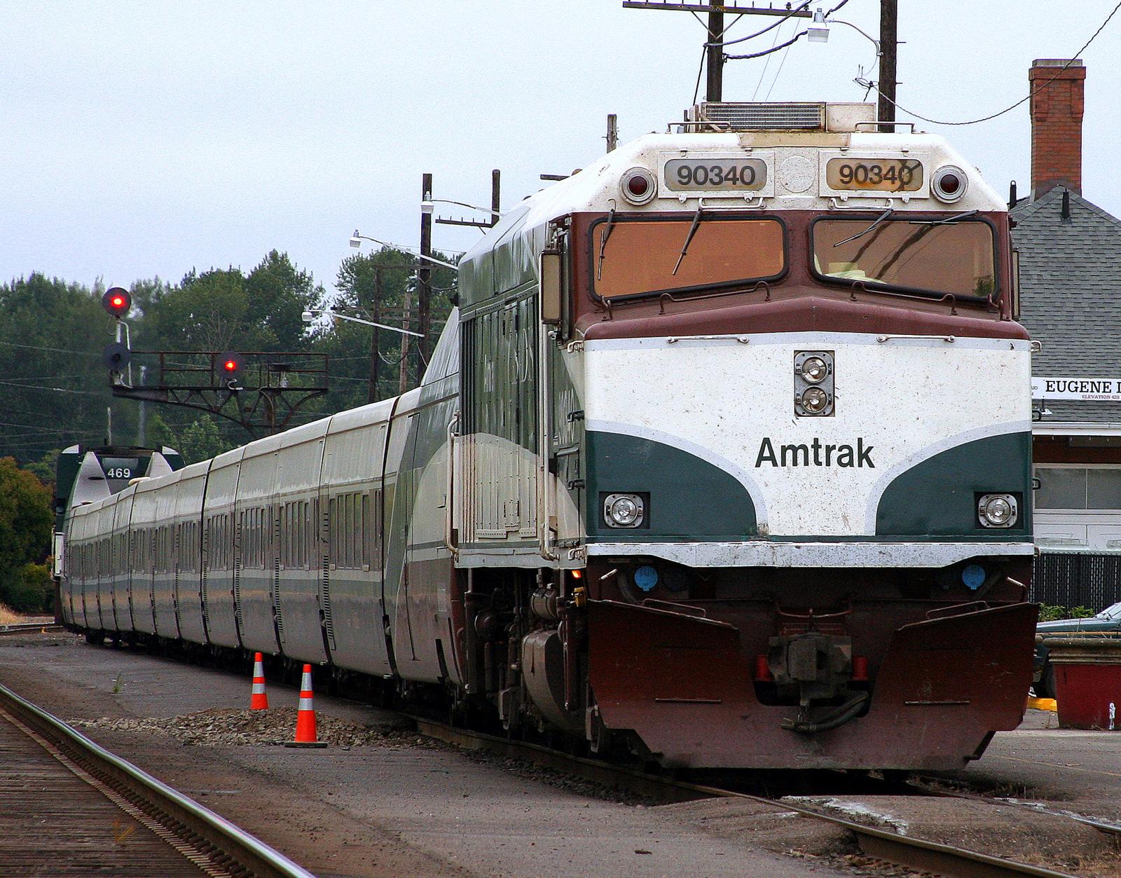 Amtrak >> File:Talgo Amtrak Cascades - Eugene - Bruce Fingerhood.jpg ...