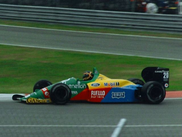 File:Thierry Boutsen 1988 Canada.jpg