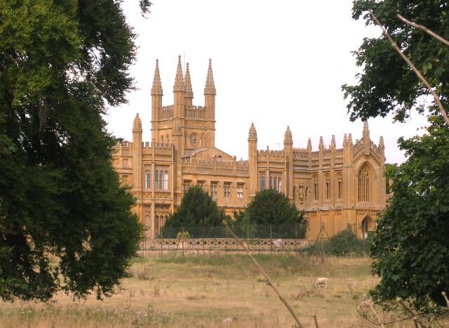 Toddington Manor
