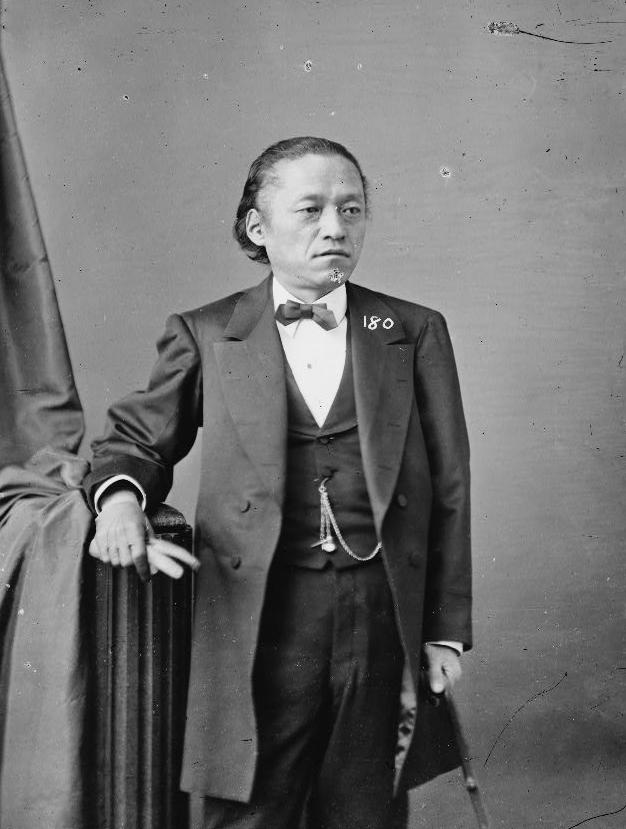 https://upload.wikimedia.org/wikipedia/commons/2/26/Tomomi_Iwakura_3.jpg