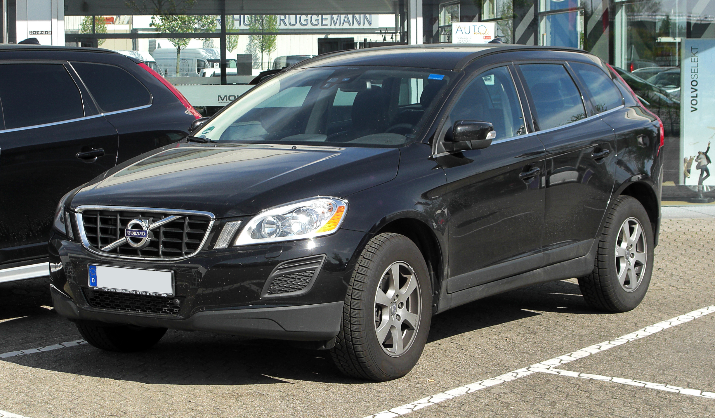 File Volvo Xc60 2 4d Drive Frontansicht 9 April 2011
