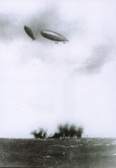 Italian dirigibles bomb Turkish positions in Libya, as the Italo-Turkish War of 1911-1912 was the first in history in which air attacks (carried out here by dirigible airships) determined the outcome. Zeplin orta.jpg