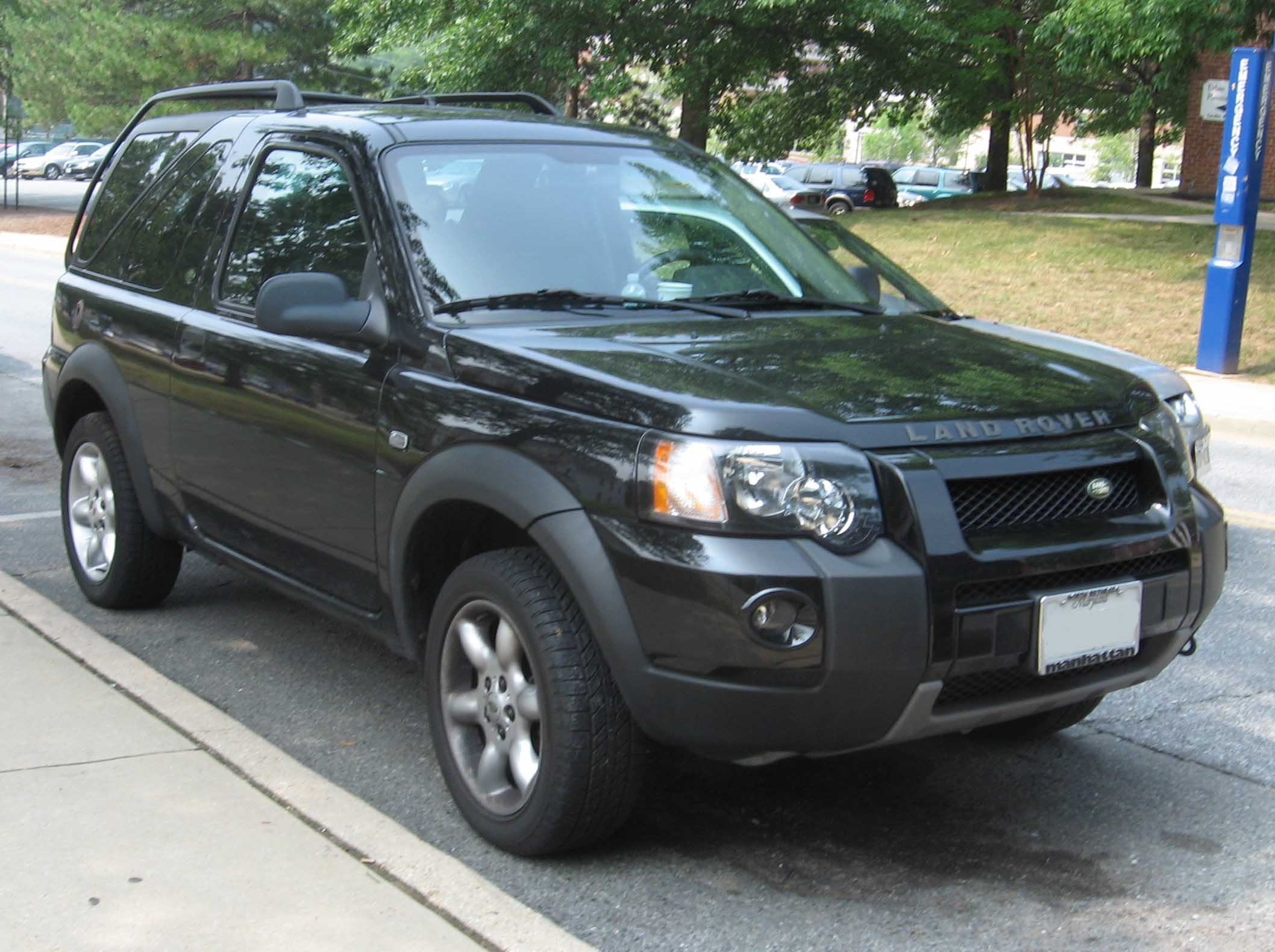 https://upload.wikimedia.org/wikipedia/commons/2/27/04-06_Land_Rover_Freelander_3door.jpg