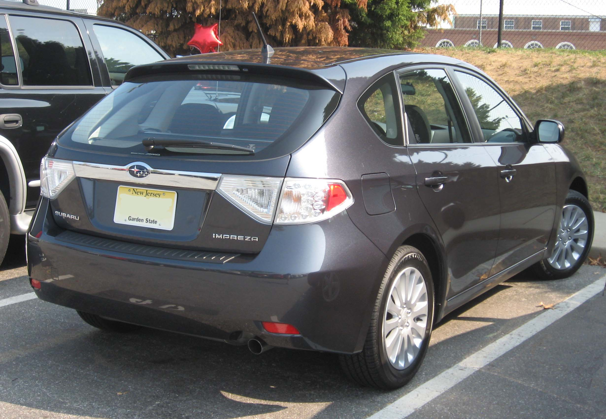 file:08-subaru-impreza-hatch - wikimedia commons