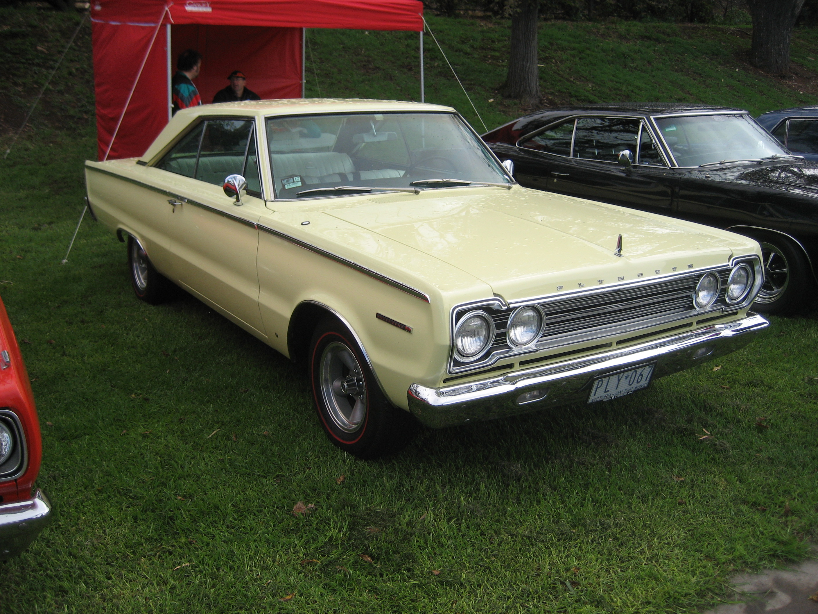 2 Door Convertible >> File:1967 Plymouth Belvedere 2 door Hardtop.jpg - Wikimedia Commons