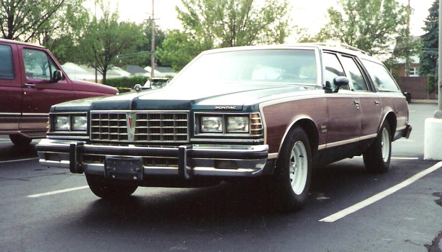 Pontiac Grand Safari - Wikipedia