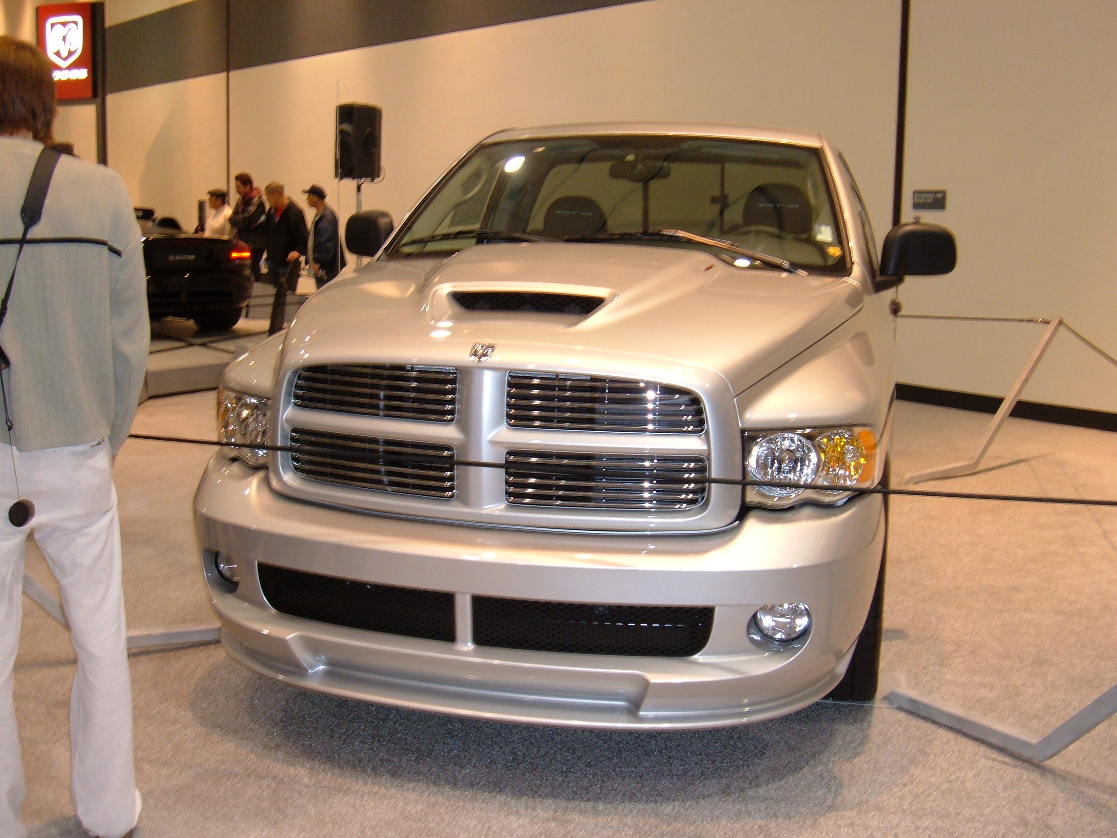 File2005 Silver Dodge Ram Srt 10 Front Wikimedia Commons 2005 1500 Hemi