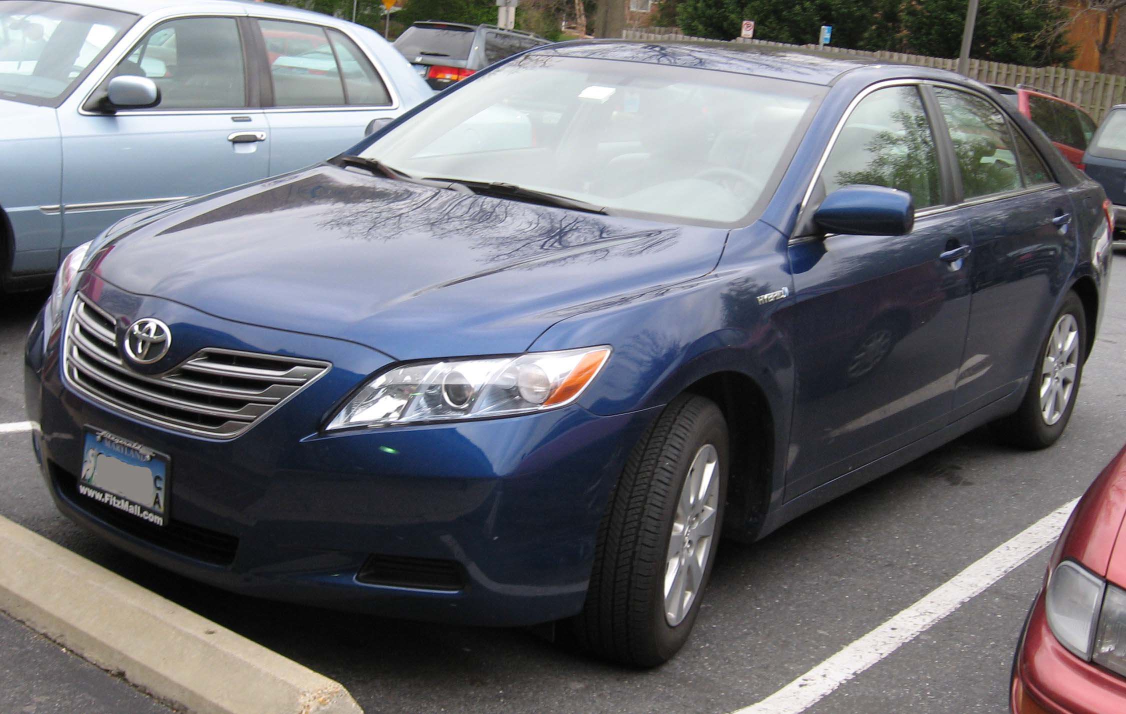 Used Cars For Sale Near Me >> File:2007-Toyota-Camry-Hybrid-1.jpg - Wikimedia Commons