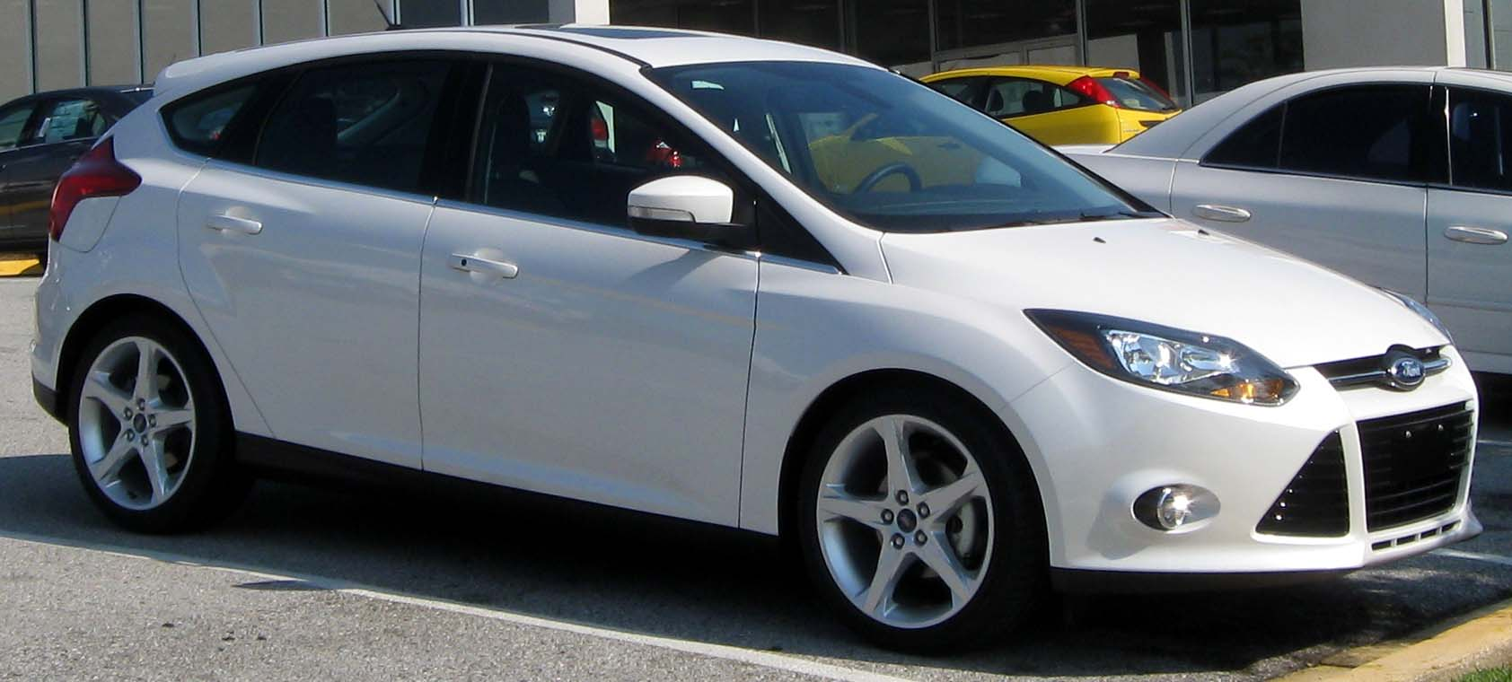 File 2012 ford focus titanium hatchback 07 09 2011 front jpg wikimedia commons