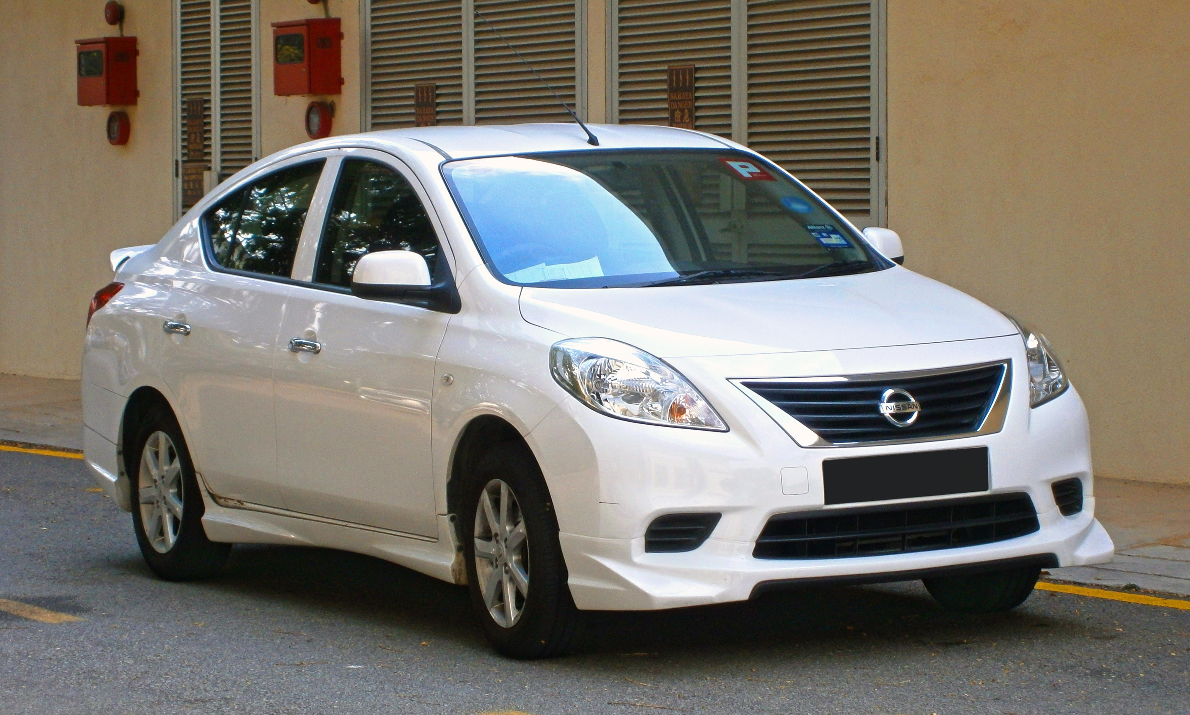 File:2013 Nissan Almera 1.5L V Sedan (with opt. Impul ...