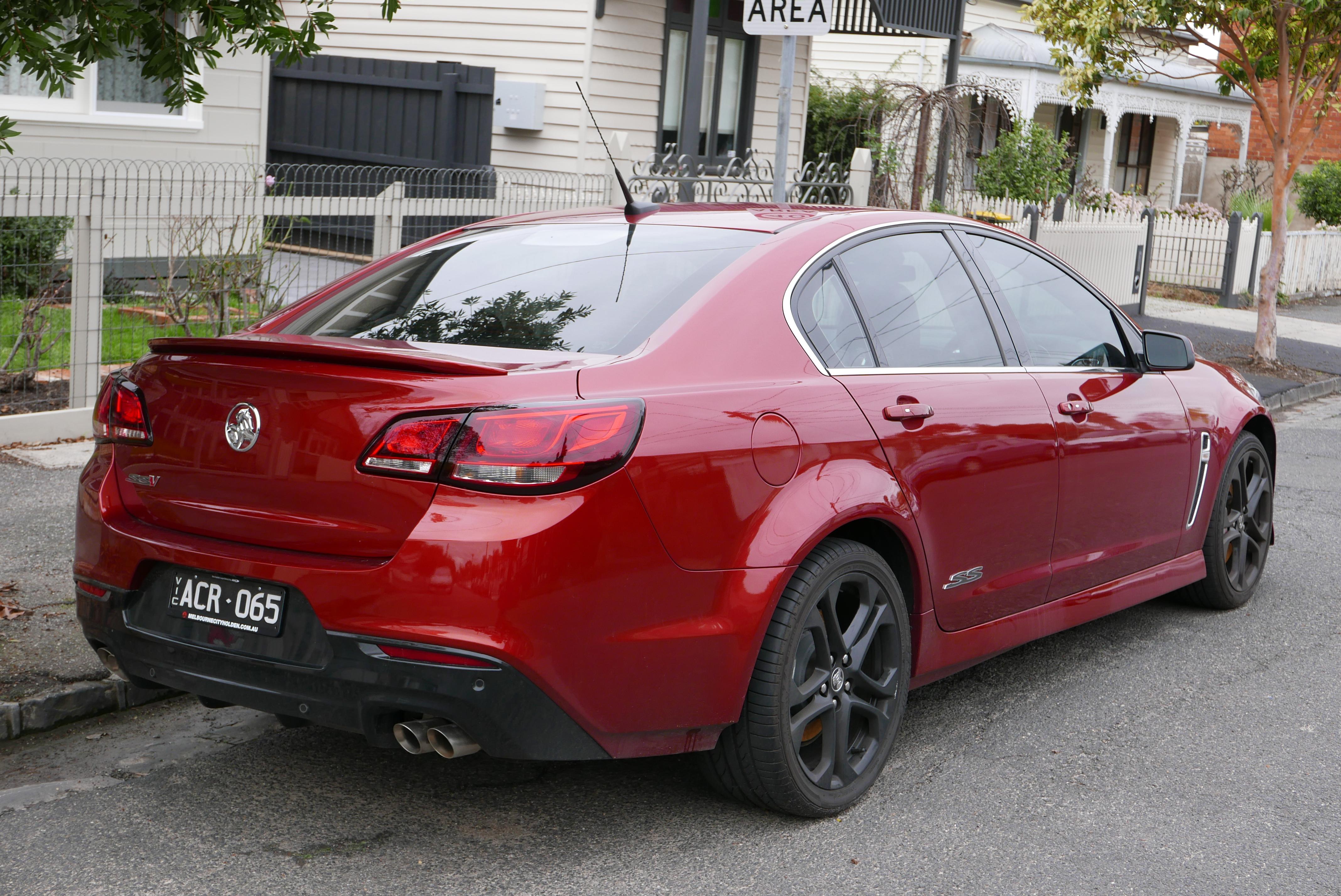File:2015 Holden Commodore (VF MY15) SS V Redline sedan (2015-07-14