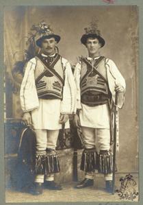 Adler - Costume populare masculine din Beriu, jud. Hunedoara.jpg