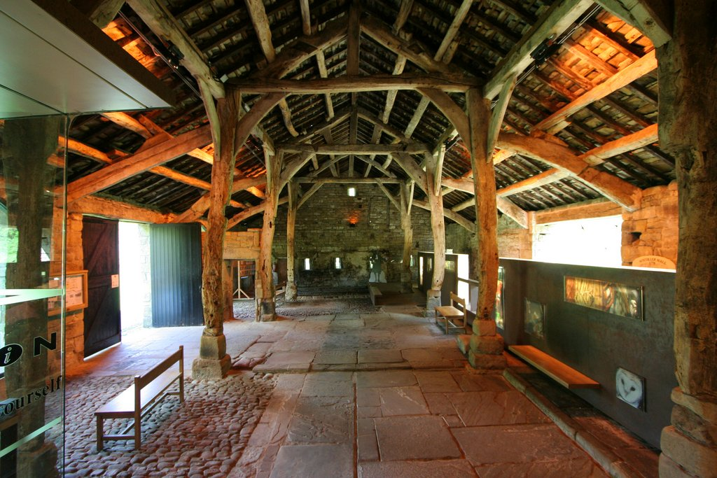 File:Aisled Barn Interior, Wycoller - geograph.org.uk - 1282274.