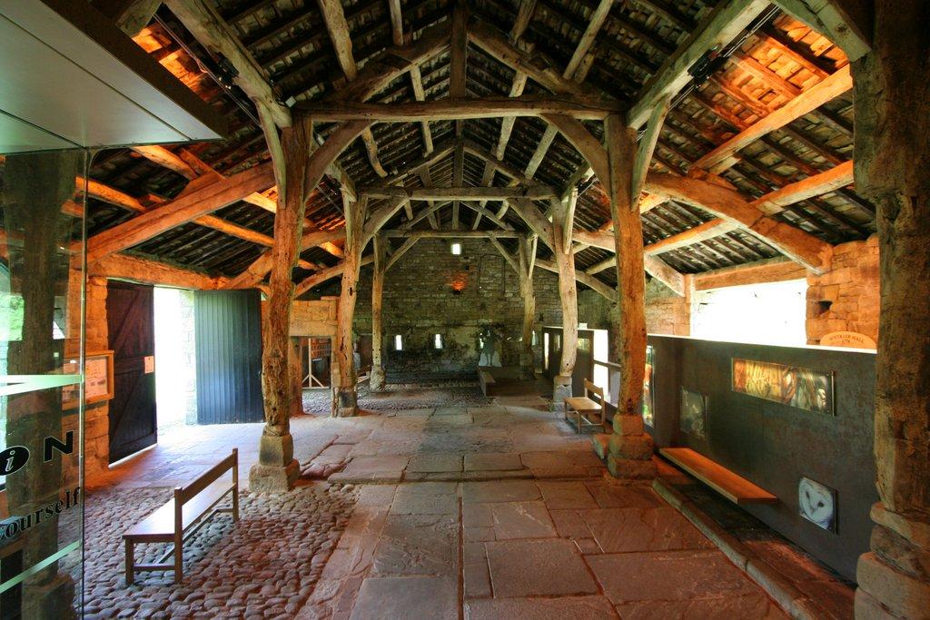 Description Aisled Barn Interior, Wycoller - geograph.org.uk - 1282274 ...