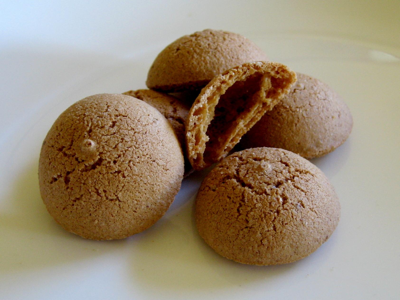 Ricetta Amaretti Gavi.Amaretto Biscotto Wikipedia