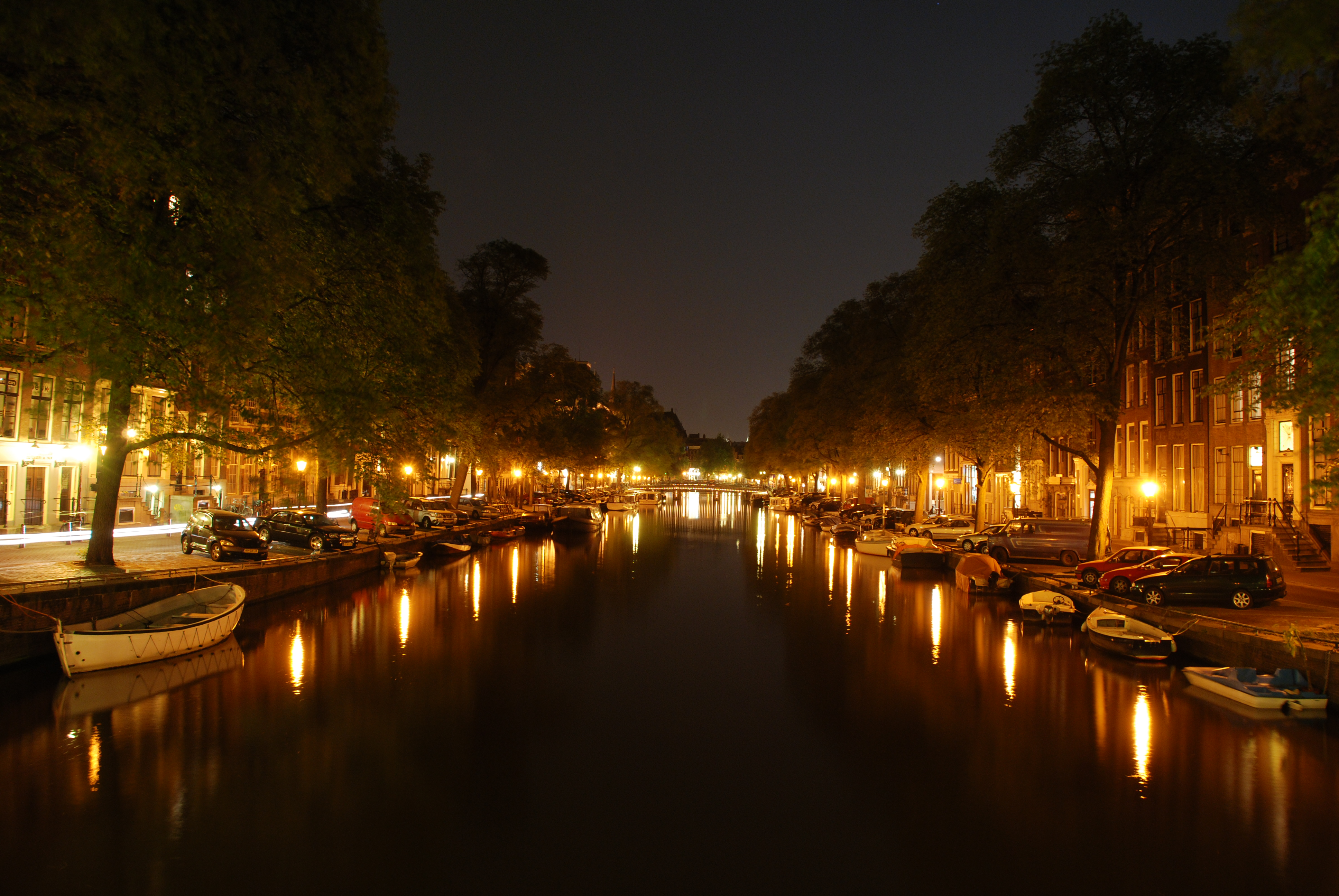 File Amsterdam Canal At Night Jpg Wikipedia