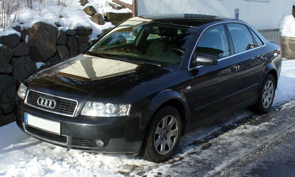 File audi a4 b6 limousine jpg wikimedia commons for Mueble 2 din audi a4 b6