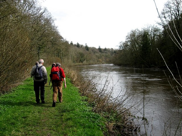 File:Barrow Towpath - geograph.org.uk - 1201066.jpg