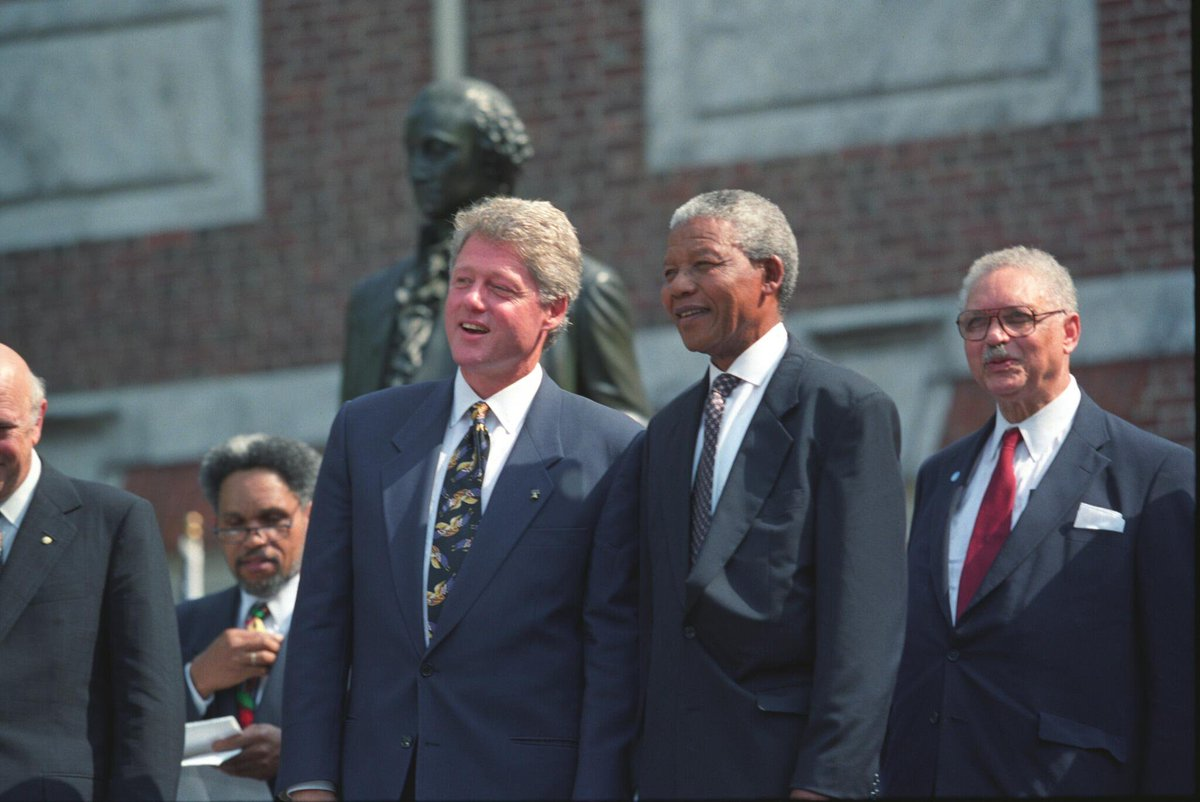 Nelson Mandela with Bill Clinton in 1993.
