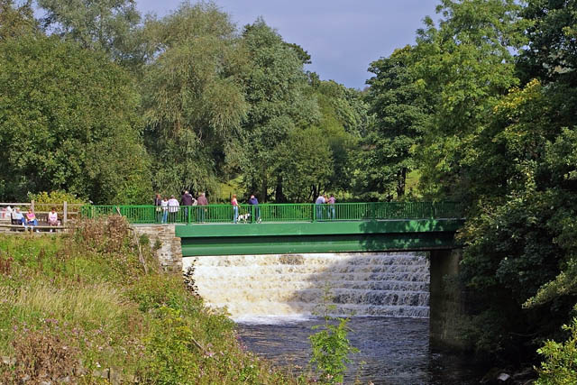 Bridge and weir, Etherow Country Park - geograph.org.uk - 992844