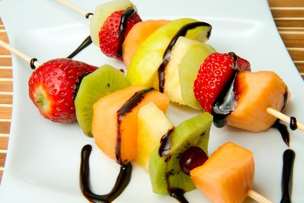 File brocheta frutas recetas faciles wikimedia for Platillos franceses faciles