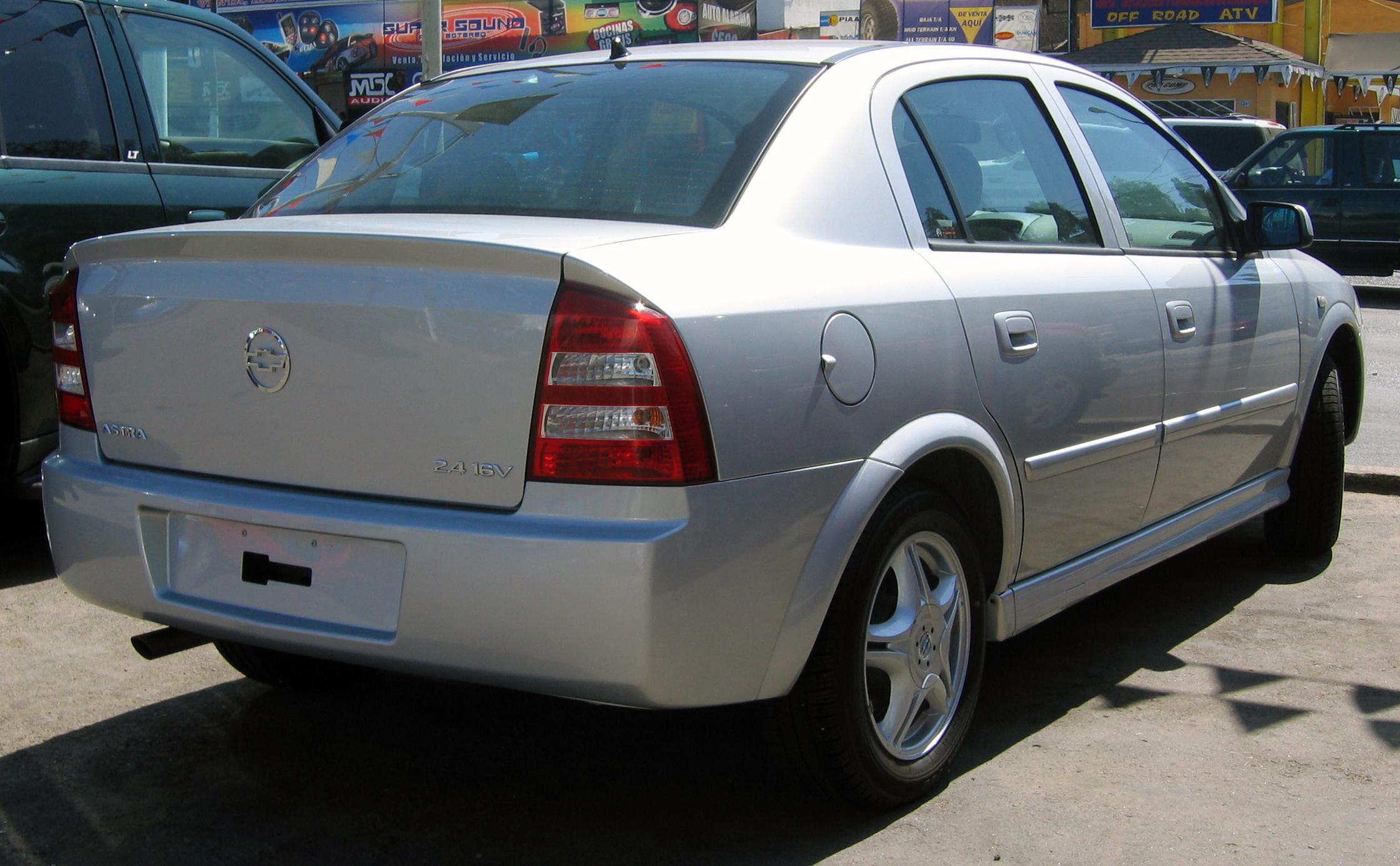 File:Chevrolet Astra 2.4.jpg - Wikimedia Commons