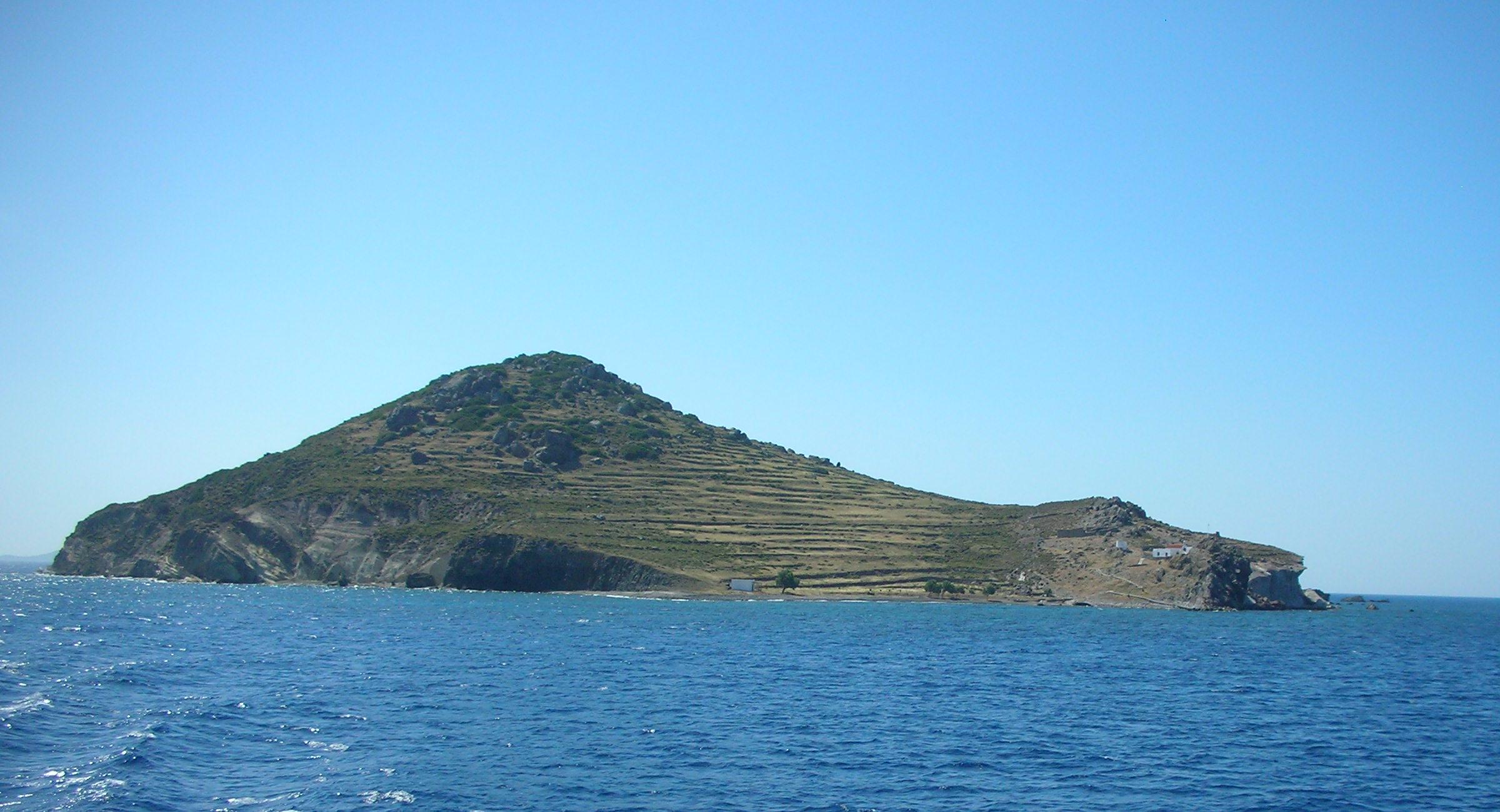 File:Chiliomodi Patmos.jpg - Wikimedia Commons