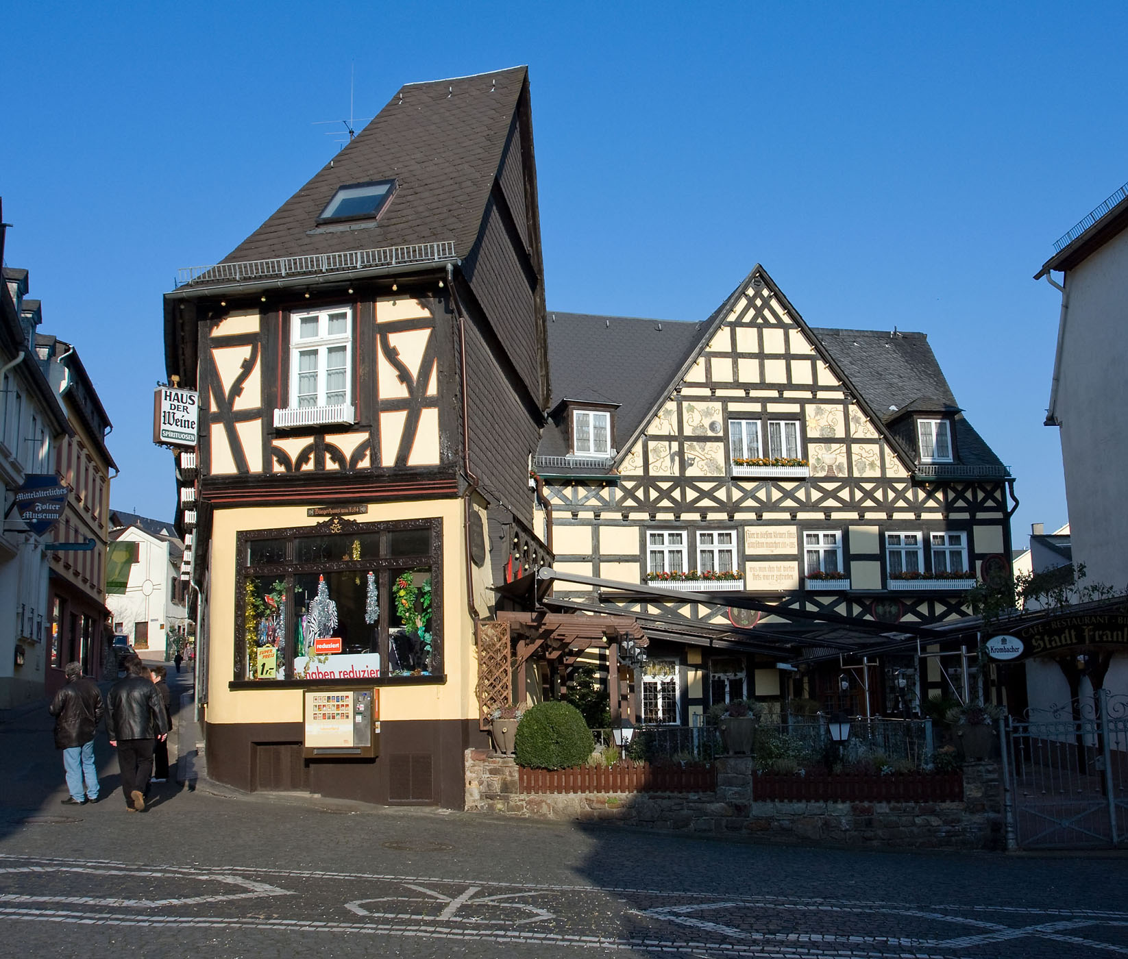Datei classic german house rudesheim germany for Classic house wiki
