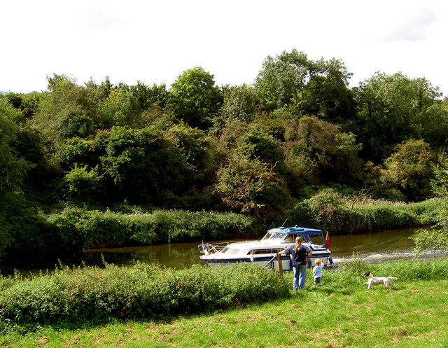 Cruising the River Don. - geograph.org.uk - 536074