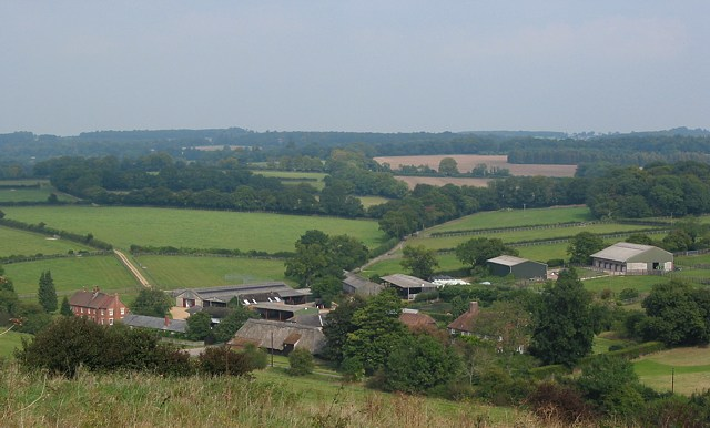 File:Dean Farm looking NE - geograph.org.uk - 56366.jpg