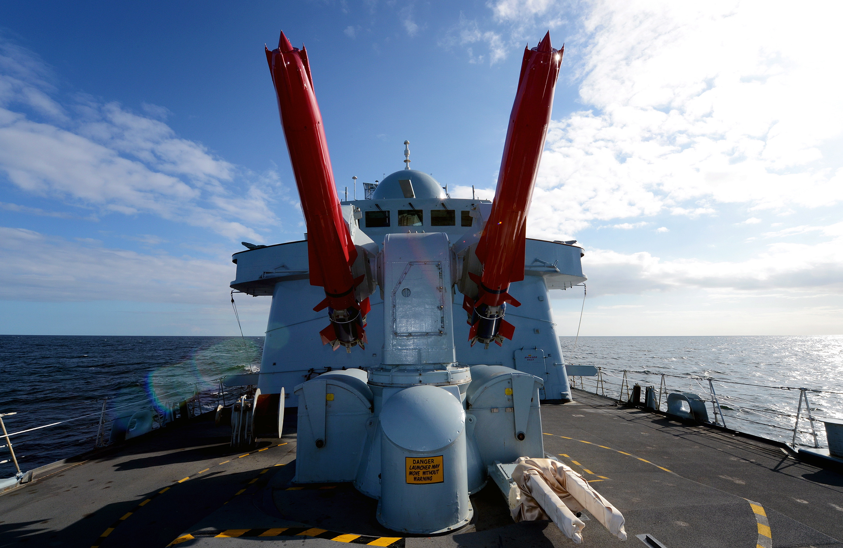 File:Drill Sea Dart Missiles Onboard HMS Edinburgh MOD ...
