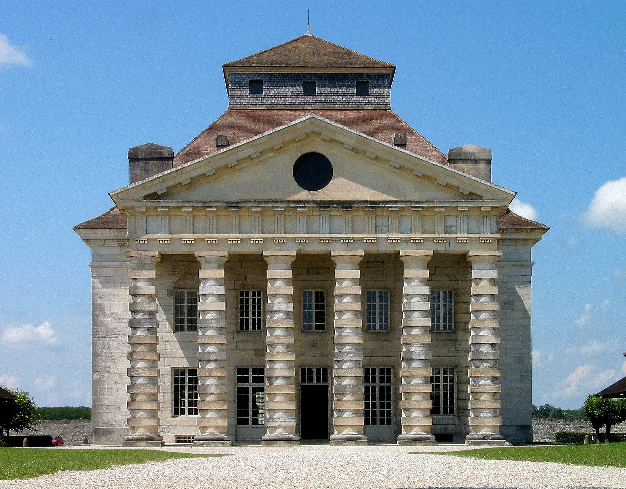 File france arc et senas saline royal main building for Le architecte